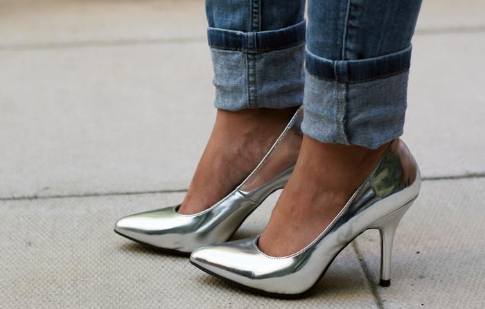 Silver Heels, Silver Pumps