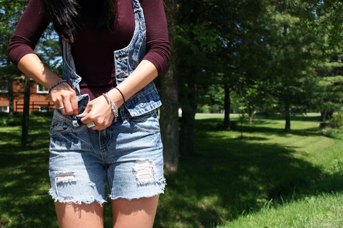 DIY Cut Off Denim Shorts, DIY Cut off Jean Shorts, DIY Cut off shorts, DIY Cut offs