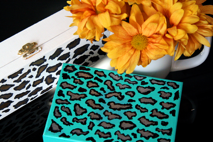 DIY leopard box clutch
