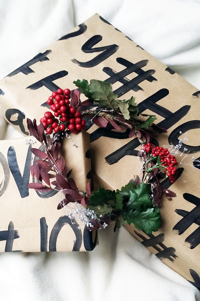 CIL DIY Christmas Wrapping Paper
