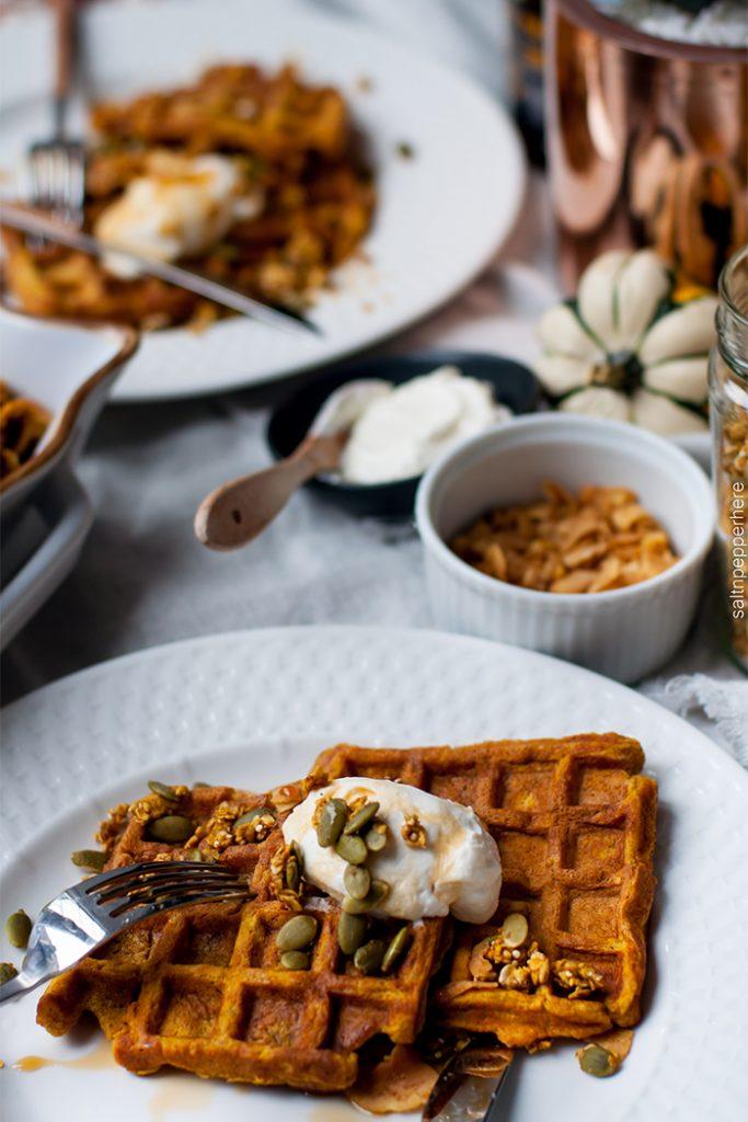 pumpkin-waffles-thanksgiving-brunch-1