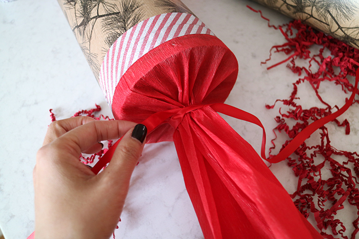 diy-giant-christmas-cracker-5