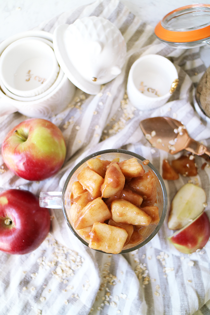 warm-apple-pie-oatmeal