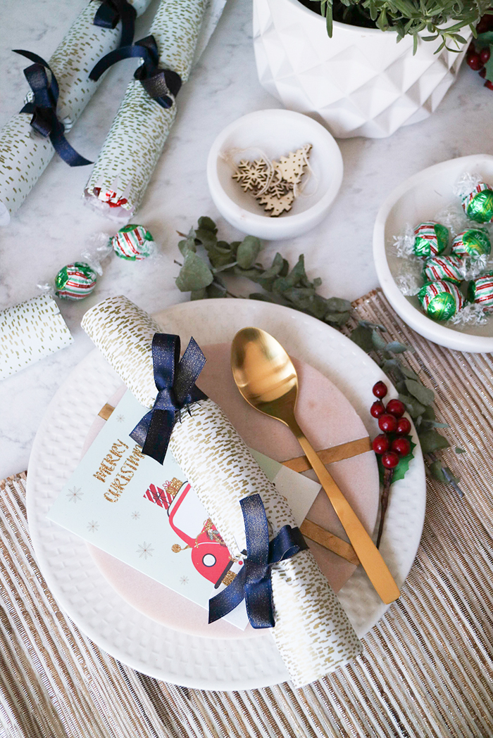 to make these diy christmas crackers all you need is a roll of wrapping paper a handful of your favourite lindt chocolate i love the limited edition - Diy Christmas Crackers